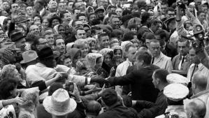 JFK_crowd