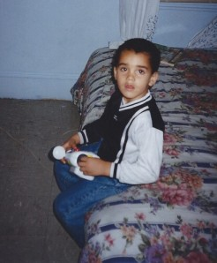 Seth sitting on moms bed Nov 1997